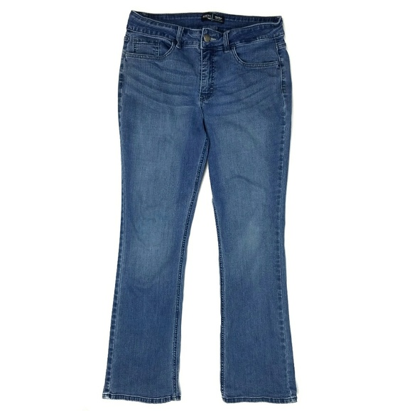 3a9b2a5138c ... Lee Mid Rise Bootcut Blue Jeans. M_5a948f7ca44dbe3459b4e457